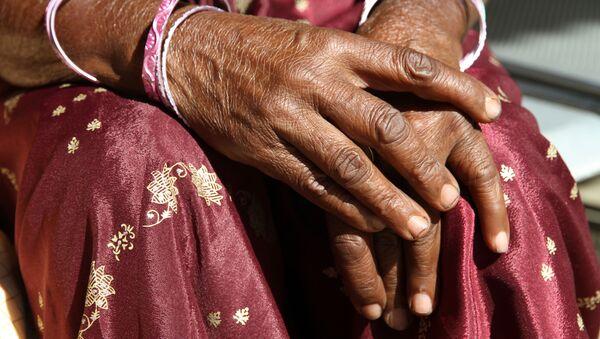 Một phụ nữ Ấn Độ. - Sputnik Việt Nam