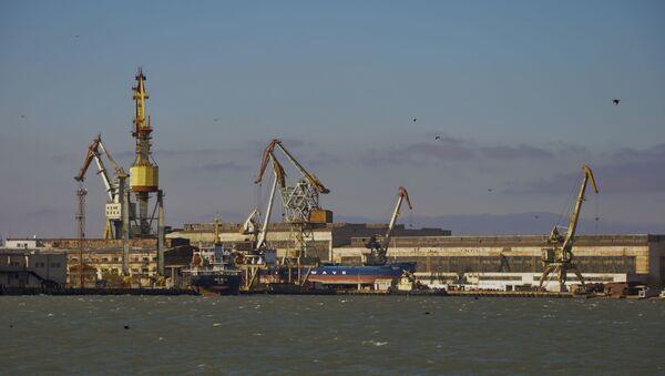 Nhà máy đóng tàu Zaliv ở Kerch, Nga - Sputnik Việt Nam