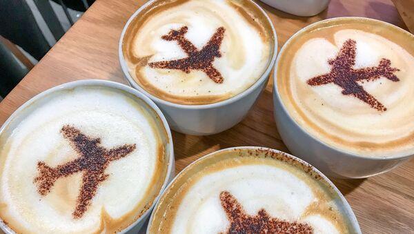 Cà phê và máy bay. - Sputnik Việt Nam
