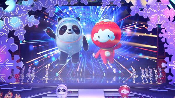 Linh vật của Thế vận hội Olympic và Paralympic 2022. - Sputnik Việt Nam