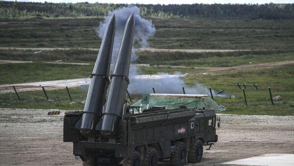 Tổ hợp tên lửa hành trình chiến thuật đầu tiên của Liên Xô là ông cố của tổ hợp Iskander. - Sputnik Việt Nam