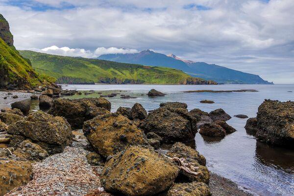 Vịnh Abramov, đảo Urup - hòn đảo thuộc nhóm đảo phía nam quần đảo Kuril - Sputnik Việt Nam