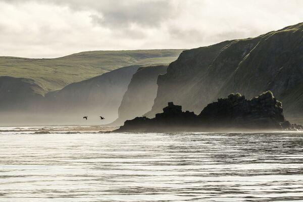 Chỏm đá Ershik và mũi Van der Lind của đảo Urup - hòn đảo thuộc nhóm đảo phía nam quần đảo Kuril - Sputnik Việt Nam