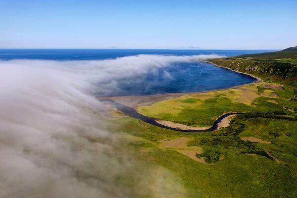 Vịnh Novokuril của đảo Urup - hòn đảo thuộc nhóm đảo phía nam quần đảo Kuril - Sputnik Việt Nam