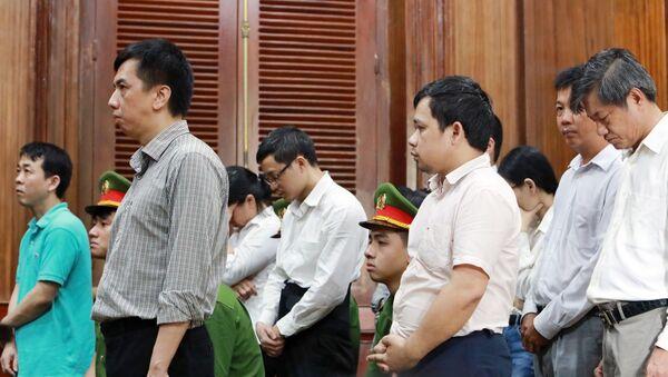 Các bị cáo nghe tuyên án. - Sputnik Việt Nam