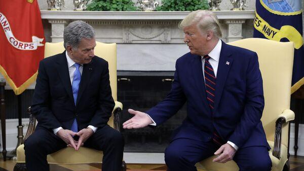 Tổng thống Mỹ Donald Trump và Tổng thống Phần Lan Sauli Niiniste tại một cuộc họp tại Nhà Trắng - Sputnik Việt Nam