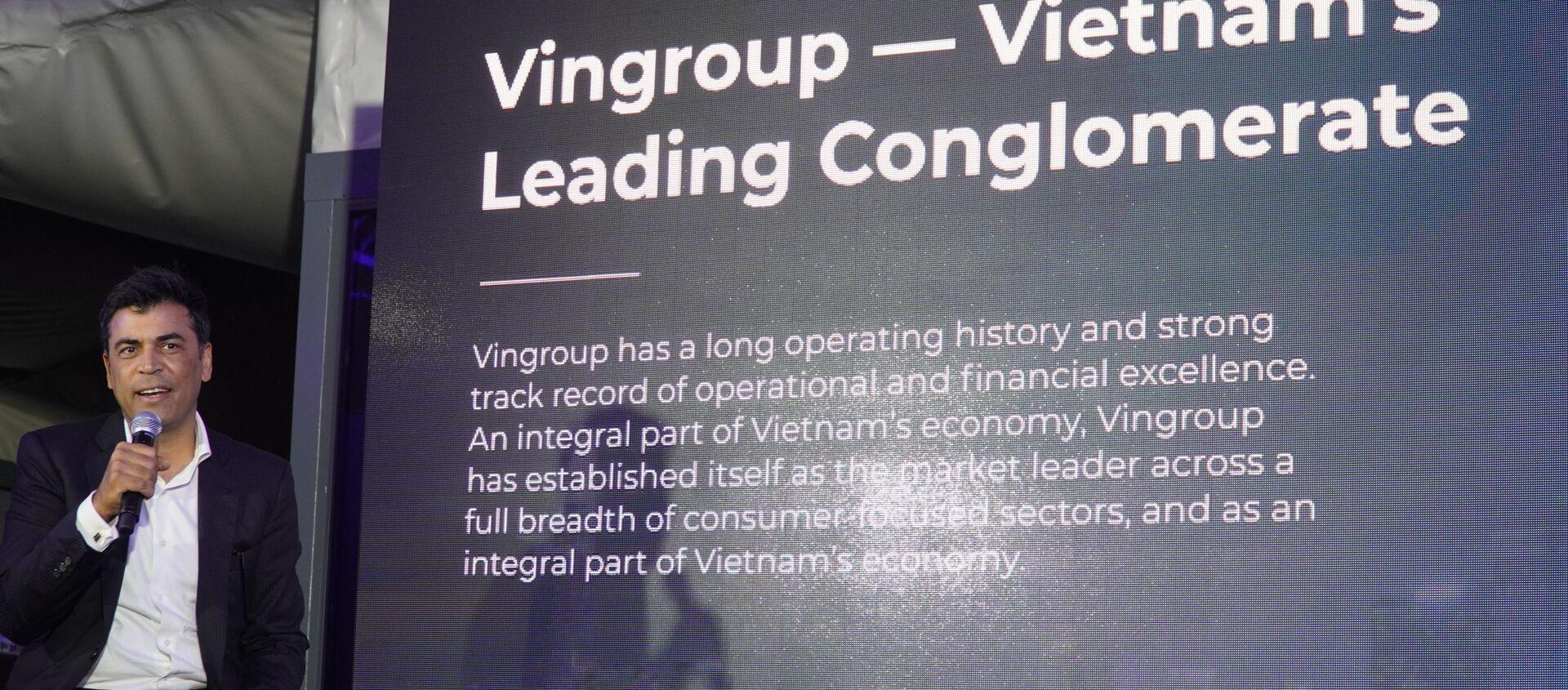 Phó TGĐ của VINGROUP Mantosh Malhotra giới thiệu về Tập đoàn VINGROUP tại Nga - Sputnik Việt Nam, 1920, 20.12.2020