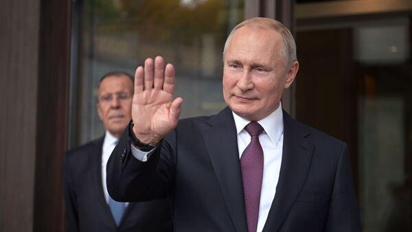 Tổng thống Nga Vladimir Putin tại phiên họp toàn thể của cuộc họp lần thứ 16 của Câu lạc bộ thảo luận quốc tế Valdai ở Sochi - Sputnik Việt Nam