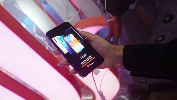 Lễ giới thiệu điện thoại Vsmart của Việt Nam tại Matxcơva - Sputnik Việt Nam
