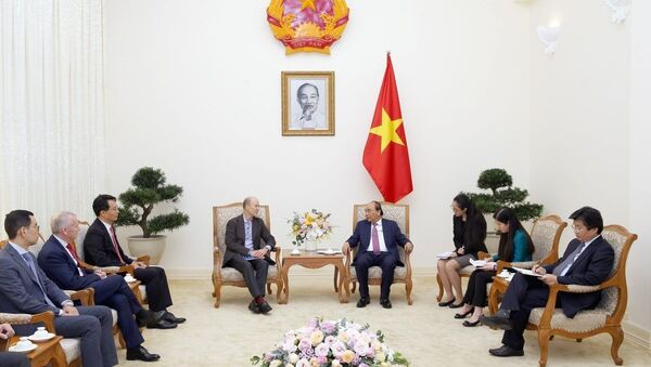 Thủ tướng Nguyễn Xuân Phúc tiếp ông Steve Bates và các doanh nghiệp đầu tư vào Việt Nam. - Sputnik Việt Nam
