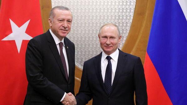 Tổng thống Nga Vladimir Putin và Tổng thống Thổ Nhĩ Kỳ Recep Erdogan. - Sputnik Việt Nam