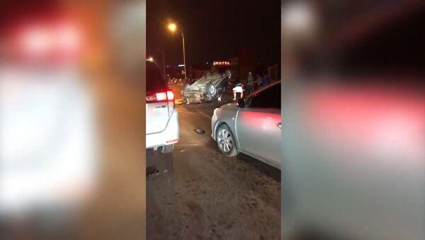 tai nạn xe hơi liên hoàn trên cầu Vĩnh Tuy - Sputnik Việt Nam