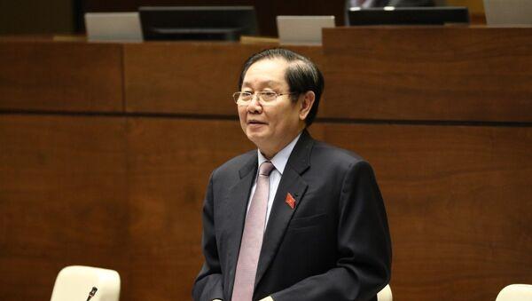 Bộ trưởng Bộ Nội vụ Lê Vĩnh Tân trả lời chất vấn của các đại biểu. - Sputnik Việt Nam