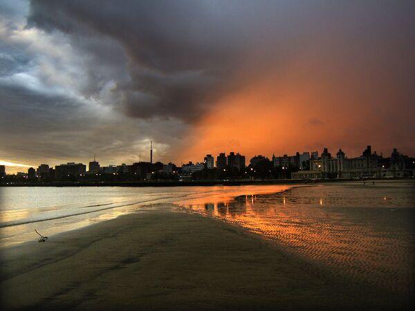 Hoàng hôn trên bãi biển ở Uruguay - Sputnik Việt Nam