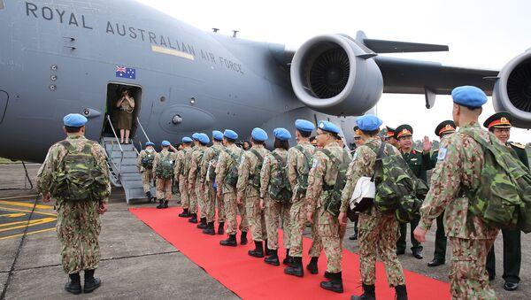 Cán bộ, chiến sĩ Bệnh viện dã chiến cấp 2 số 2 lên máy bay sang Phái bộ Liên hợp quốc tại Nam Sudan thực hiện nhiệm vụ - Sputnik Việt Nam