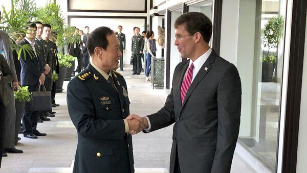 Hai bộ trưởng Ngụy Phượng Hòa và Mark Esper  - Sputnik Việt Nam