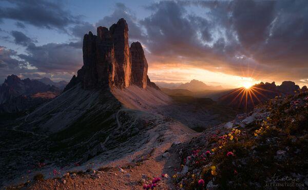 Ảnh đồi núi Tre Cime di Lavaredo ở Ý của Alex Armitage, người vào chung kết Historic Photographer of the Year 2019 - Sputnik Việt Nam