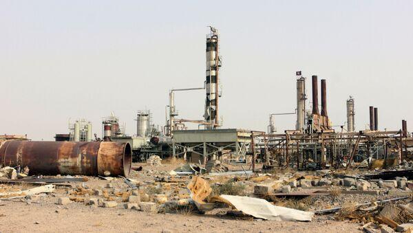 Nhà máy lọc dầu bị phá hủy ở Iraq - Sputnik Việt Nam