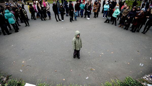 Ngày để tang tại Veliki Novgorod tưởng nhớ những người thiệt mạng trong vụ máy bay Airbus A321 rơi ở Ai Cập. - Sputnik Việt Nam