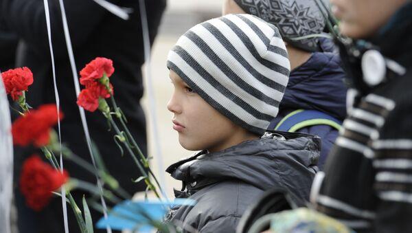Lễ mit-tinh cầu hồn tại Donetsk tưởng nhớ những người thiệt mạng trong vụ máy bay Airbus A321 rơi ở Ai Cập. - Sputnik Việt Nam