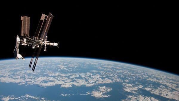 ISS trong vũ trụ trên nền Trái Đất - Sputnik Việt Nam