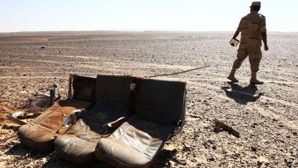 Những chiếc ghế hành khách tại hiện trường tai nạn Airbus A321 của Nga ở Ai Cập - Sputnik Việt Nam