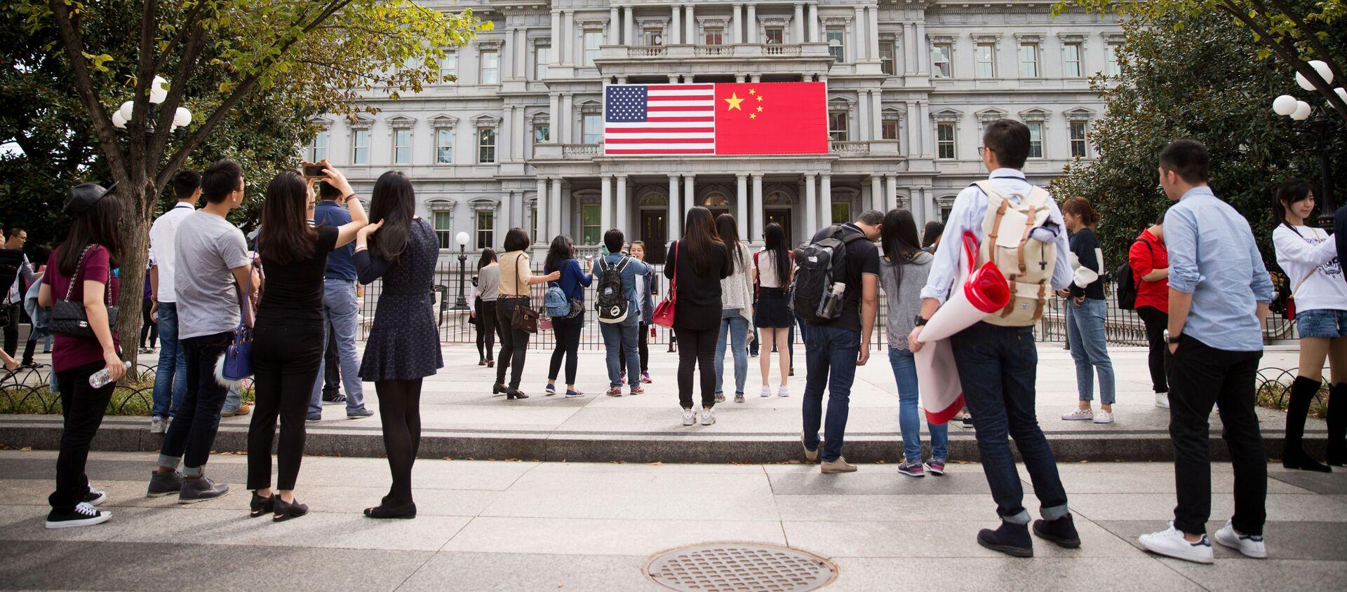 Cờ của Hoa Kỳ và Trung Quốc tại Washington - Sputnik Việt Nam, 1920, 19.02.2021