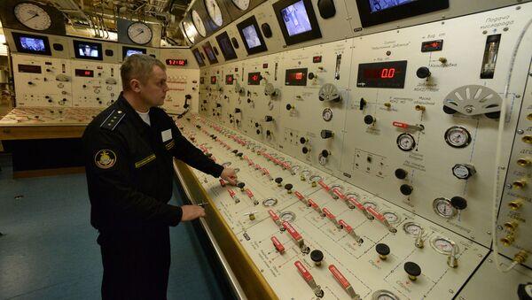 Bảng điều khiển buồng áp suất trên tàu cứu hộ Igor Belousov trong cuộc tập trận của bộ phận hoạt động tìm kiếm và cứu hộ của Hạm đội Thái Bình Dương - Sputnik Việt Nam