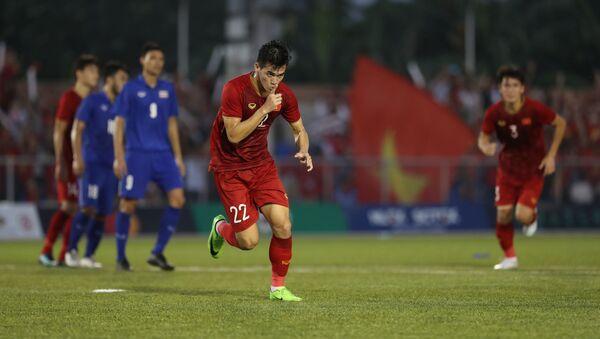 Tiền đạo Tiến Linh ăn mừng bàn thắng gỡ hoà cho U22 Việt Nam - Sputnik Việt Nam
