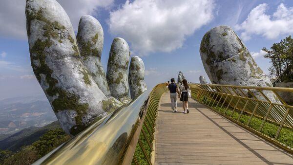 Cây Cầu Vàng Bà Nà Đà Nẵng - Sputnik Việt Nam