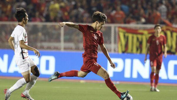 Pha dứt điểm của tiền vệ Hoàng Đức (14) - Sputnik Việt Nam