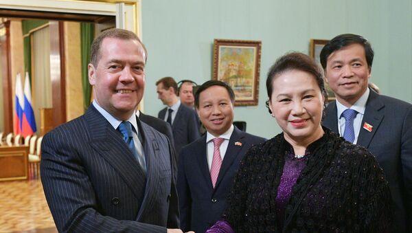 Thủ tướng Nga D. Medvedev gặp, Chủ tịch Quốc hội Việt Nam Nguyễn Thị Kim Ngân  - Sputnik Việt Nam