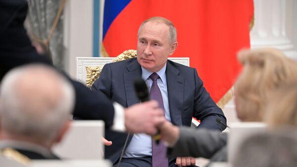 Tổng thống Nga Vladimir Putin gặp gỡ các giám sát viên nhân quyền khu vực - Sputnik Việt Nam