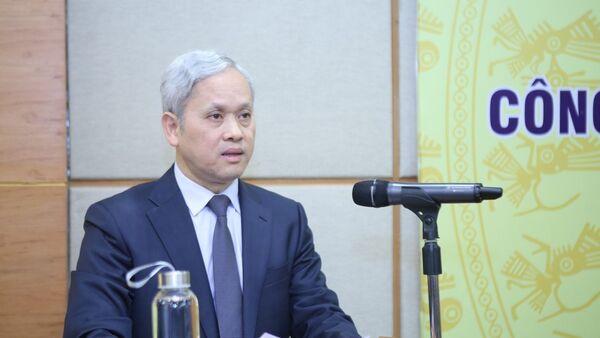 Tổng cục trưởng Tổng cục Thống kê Nguyễn Bích Lâm công bố kết quả đánh giá lại quy mô GDP giai đoạn 2010 - 2017 - Sputnik Việt Nam