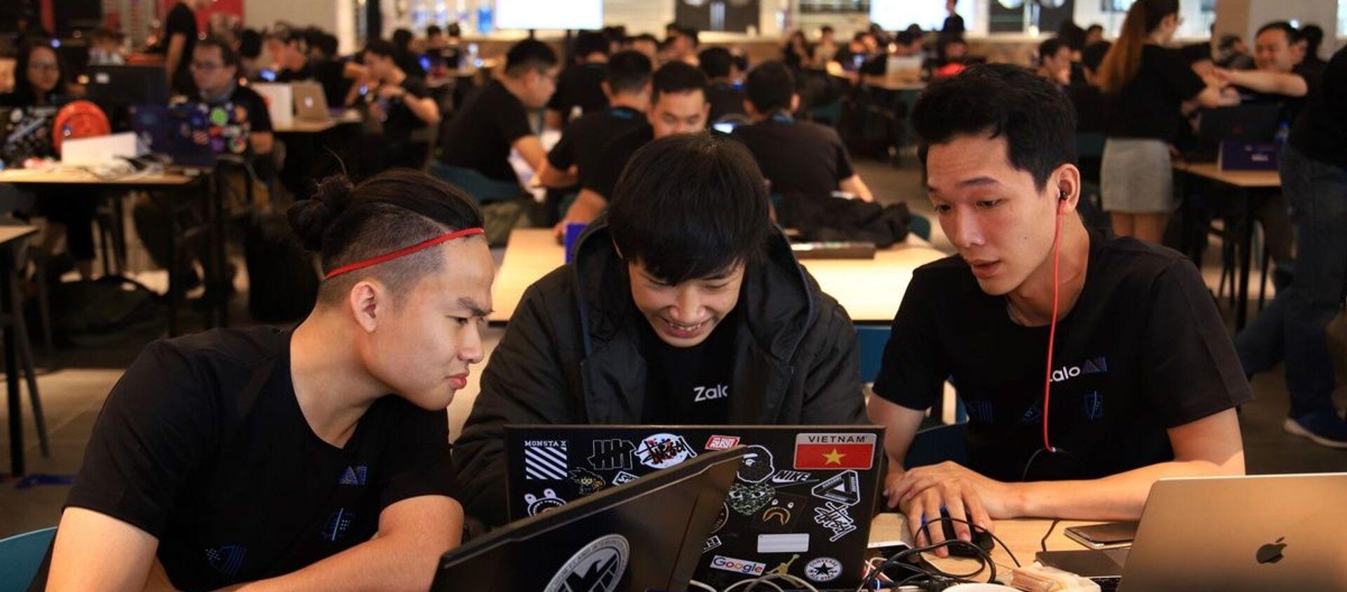 Hơn 160 kỹ sư đã tham gia Zalo Hackathon để giải quyết bài toán nhận diện hình ảnh. - Sputnik Việt Nam, 1920, 19.12.2019