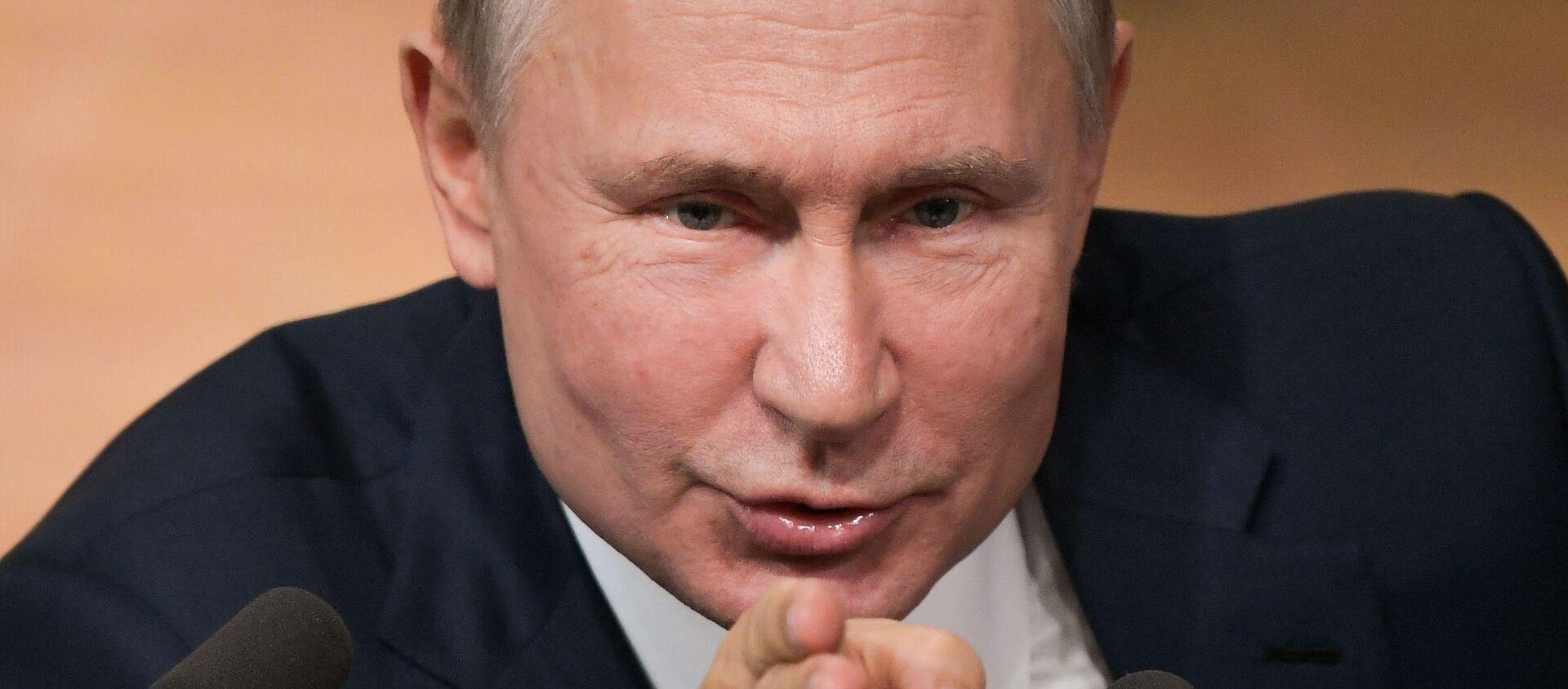 Phát sóng cuộc họp báo của Tổng thống Liên bang Nga V. Putin - Sputnik Việt Nam, 1920, 19.12.2019