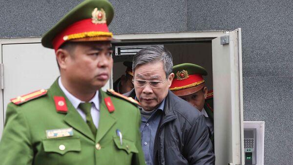 Bị cáo Nguyễn Bắc Son (sinh năm 1953, cựu Bộ trưởng Bộ Thông tin và Truyền thông).  - Sputnik Việt Nam