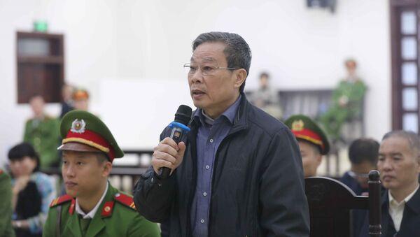 Bị cáo Nguyễn Bắc Son (sinh năm 1953, cựu Bộ trưởng Bộ Thông tin và Truyền thông) nói lời sau cùng.  - Sputnik Việt Nam