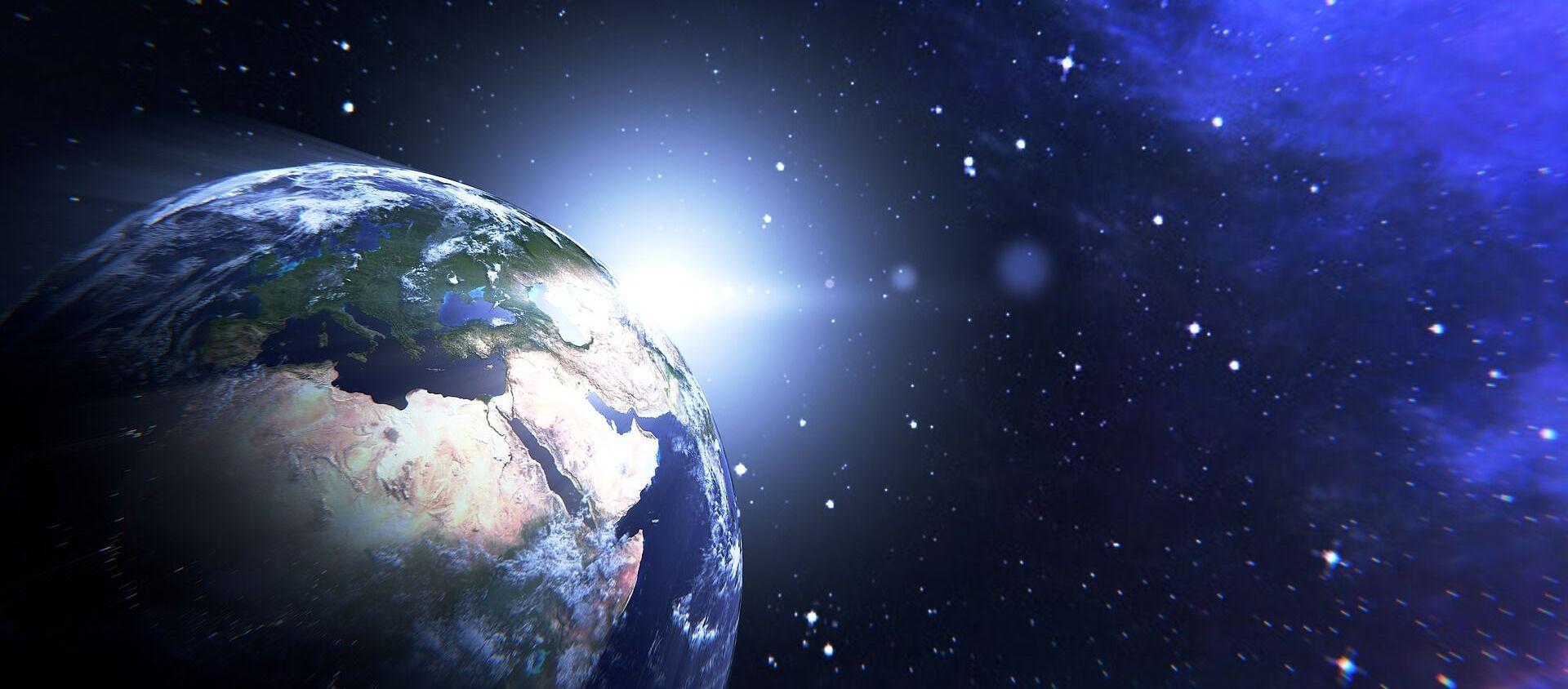 Hành tinh trái đất trong không gian - Sputnik Việt Nam, 1920, 12.10.2020