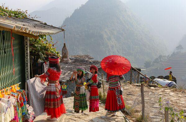 Các cô gái ở tỉnh Lào Cai, Việt Nam - Sputnik Việt Nam