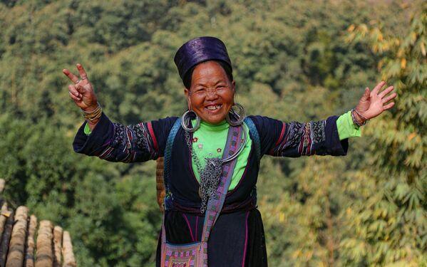 Người phụ nữ H'Mông ở tỉnh Lào Cai, Việt Nam - Sputnik Việt Nam