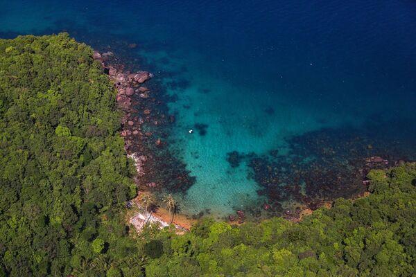 Đường bờ biển trên đảo Phú Quốc, Việt Nam - Sputnik Việt Nam