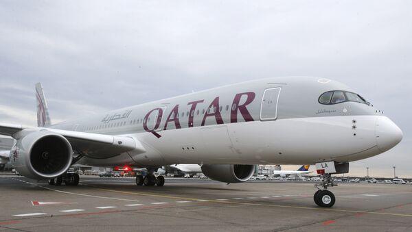 Máy bay Airbus A350 của hãng hàng không Qatar Airways - Sputnik Việt Nam