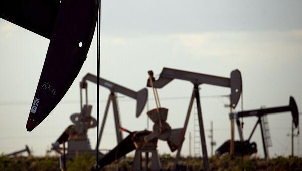 Mỏ dầu gần Lovington, Mexico  - Sputnik Việt Nam