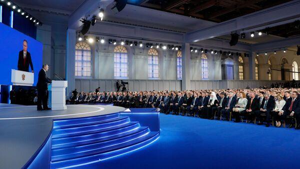 Tổng thống Nga Vladimir Putin phát biểu trong thông điệp gửi Quốc hội Liên bang. - Sputnik Việt Nam