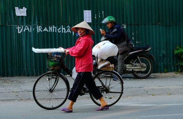 Cư dân thành phố Hà Nội Việt Nam trên đường phố - Sputnik Việt Nam
