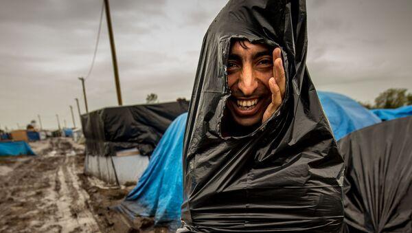 Người nhập cư trong trại tị nạn ở Pháp - Sputnik Việt Nam
