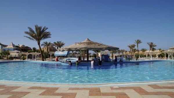 Hồ bơi tại một khách sạn ở Ai Cập - Sputnik Việt Nam