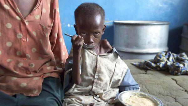 Em bé suy dinh dưỡng trong bệnh viện Cabinda, Congo - Sputnik Việt Nam