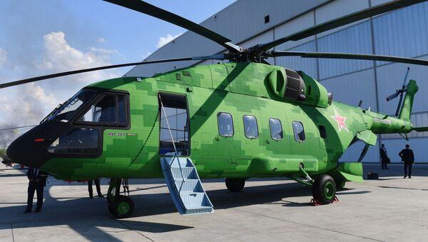 Máy bay trực thăng Mi-38T trên lãnh thổ của Nhà máy Hàng không Kazan - Sputnik Việt Nam